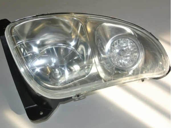 RH TSA/T6000 HEADLAMP (LOW BONNETT)