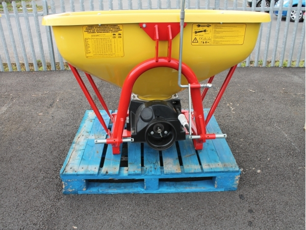 Cosmo Fertilizer Spreader