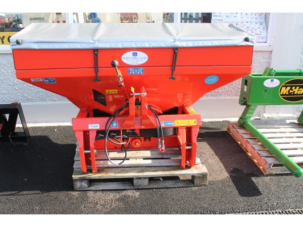 Rauch 1800kg Twin Spreader with Cover